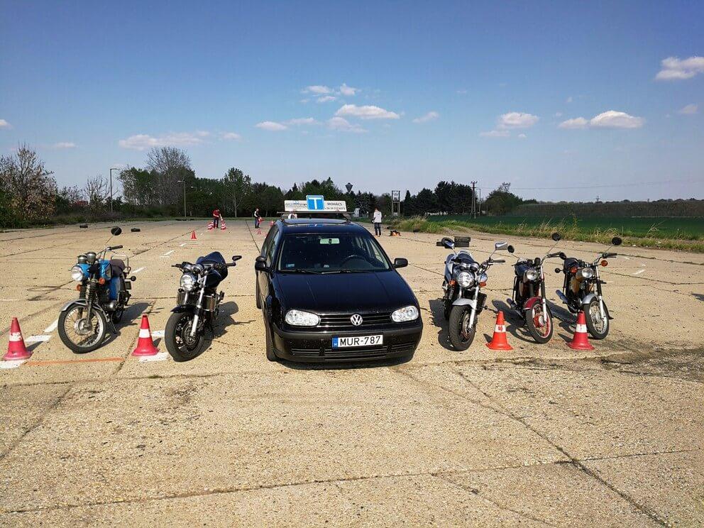 BD Autósiskola motoros E-learning KRESZ tanfolyam gyakorlás - rutinpálya Mohács - gépjármű flotta